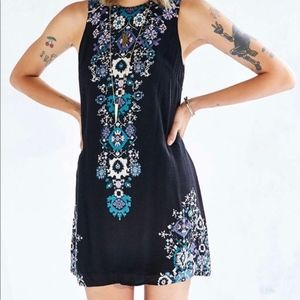 Ecoté black floral shift dress